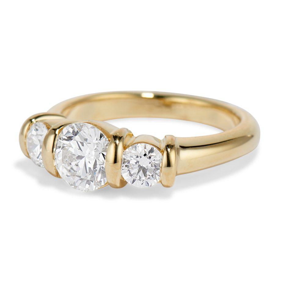 Yellow gold all diamond ridge ring