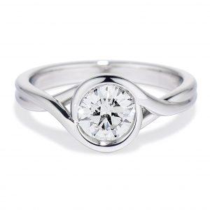 Embrace Ring - Petite Embrace Ring