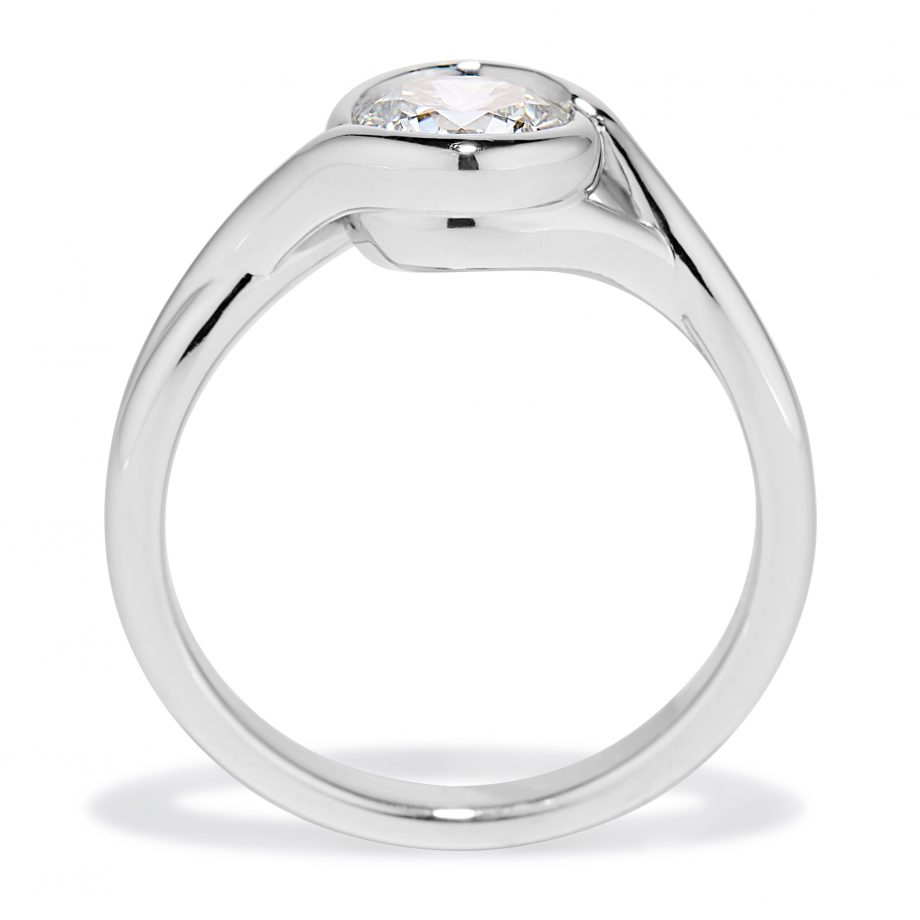 Embrace ring - Petite Embrace Platinum