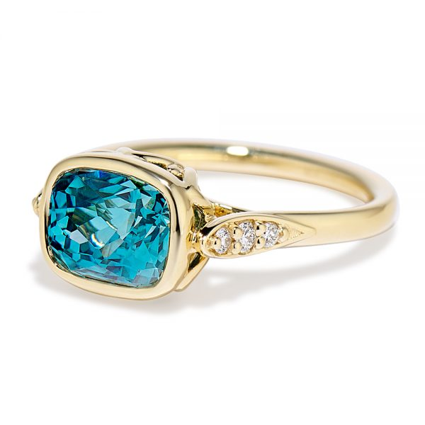 Blue Zircon Concerto Ring 18k yellow gold 160495 side