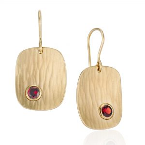 Metolius Crest earrings gold with Garnet