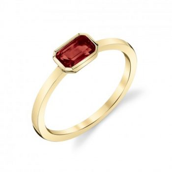 garnet and yellow gold ring